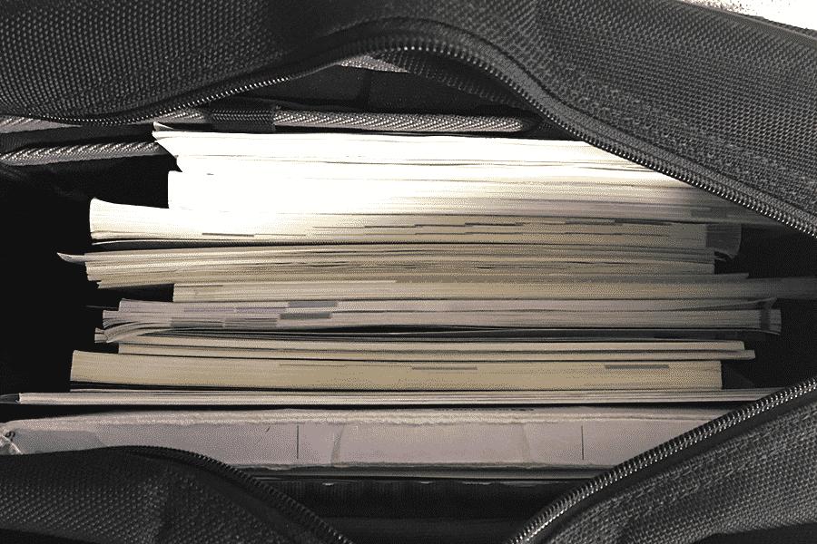 教科書とノートでギッシリ